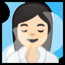 Android Pie; U+1F9D6 U+1F3FB U+200D U+2640 U+FE0F; Frau im Dampfbad : Hauttyp 1–2 Emoji